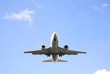 Airliner landing