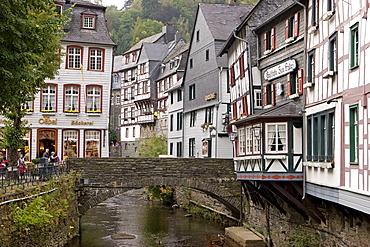 Fachwerk houses alongside the Rur River in Monschau an der Eifel, Aachen, North Rhine-Westphalia, Germany, Europe
