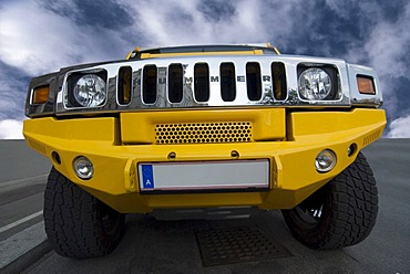 Hummer H2 SUV, frontal view