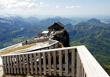 View of the shelter on the Schafberg Mountain, behind it the mountain region round the Mondsee Lake, Salzburg, Austria, Europe