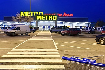 Metro, Cash and carry market, Otto Beisheim group in the evening, Berlin, Germany