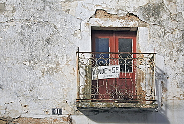 "For Sale sign - ""Se Vende"" - in the spa town of Monchique, Algarve, Portugal"