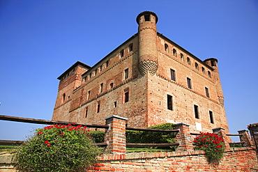 Castello Cavour castle in Grinzane Cavour, Barolo Region, Piedmont, Italy, Europe