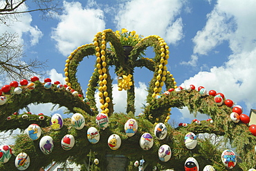 Easter decorations on a fountain, Franconian Switzerland region, Bavaria, Germany, Europe