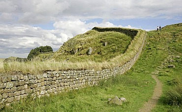 Thorngrafton, GBR, 19. Aug. 2005 - Ruins of the Hadrians Wall nearby the ruins of Housesteads Fort nearby Thorngrafton in Norththumberland.