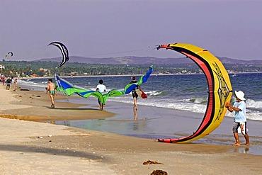 Kitesurfer, beach of Mui Ne, Vietnam, Asia