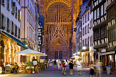 Rue Merciere, west gate, Strasbourg Cathedral, Strasbourg, Alsace, France, Europe