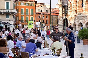 Guests in a restaurant, Piazza Bra, Verona, Venice, Italy, Europe