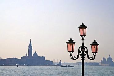 Street light in front of San Giorgio Maggiore, island, Venice, Veneto, Italy, Europe