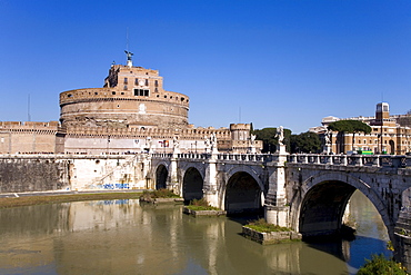 Mausoleum of Hadrian also known as Castel Sant'Angelo beside Tiber River, Rome, Latium, Italy, Europe
