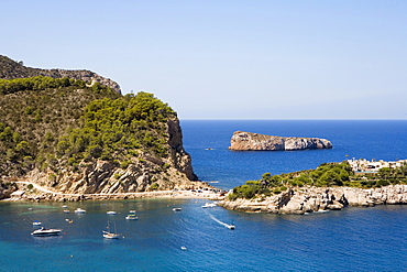 Island in the bay of Port Sant Miquel, Ibiza, Balearic Islands, Spain, Europe