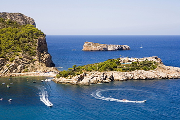 Boats and islands in the bay of Port Sant Miquel, Ibiza, Balearic Islands, Spain, Europe