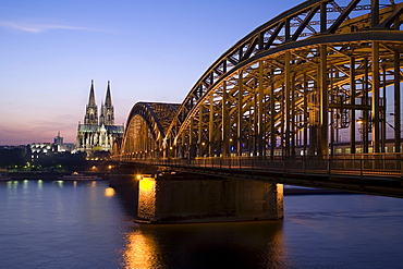 Hohenzollernbruecke Bridge, Rhine River, Cologne Cathedral, North Rhine-Westphalia, Germany, Europe