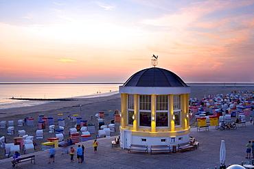 Pavilion, Wandelhalle, sea front, evening mood, Borkum, East Frisian Islands, East Frisia, Lower Saxony, Germany, Europe