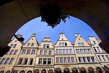 Arcades along Prinzipalmarkt, Muenster, North Rhine-Westphalia, Germany, Europe