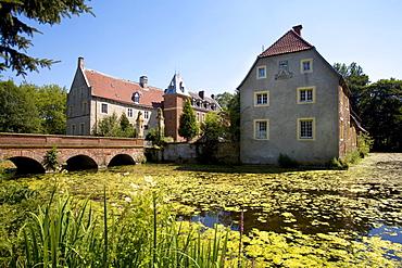 Moat in front of Senden Moated Castle, Muensterland, North Rhine-Westphalia, Germany, Europe