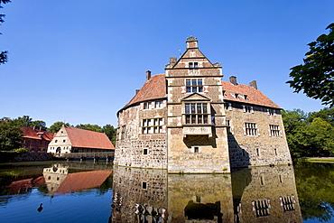 Wasserburg Vischering castle, Luedinghausen, Muensterland, North Rhine-Westphalia, Germany, Europe