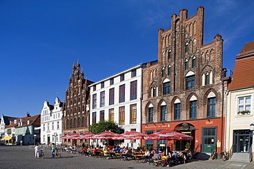 Cafe on Marktplatz Square, Greifswald, Mecklenburg-Western Pomerania, Germany, Europe