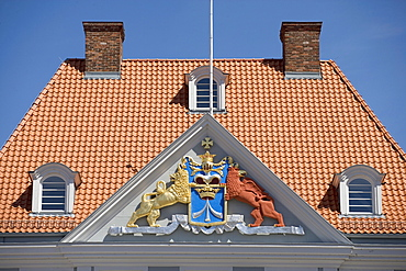 Schwedenwappen, coat of arms, on the Alter Markt Square, Stralsund, Baltic Sea, Mecklenburg-Western Pomerania, Germany, Europe