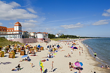 People at the beach and the Kurhaus, Binz, Ruegen, Baltic Sea, Mecklenburg-Western Pomerania, Germany, Europe