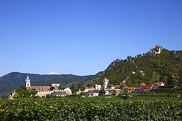 Duernstein and the Duernstein Castle ruins, Wachau, Lower Austria, Europe
