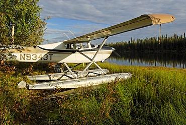 Float plane, Moon Lake, Alaska, USA