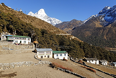 Sherpa village Pangboche with Ama Dablam (6856), Sagarmatha National Park, Khumbu, Nepal