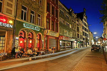 Nightlife in the streets of Chlodwigplatz, Clovis Square, Cologne, North Rhine-Westphalia, Germany, Europe