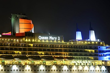 Passenger cruise ship Queen Mary 2 at Cruise Center, Port of Hamburg, Germany