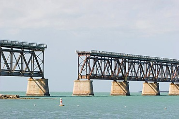 USA, Florida, Bahia Honda Bridge, old and destruct railway bridge at the Florida Keys