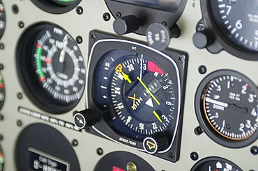Flight device compass in a helicopter