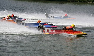 Motorboatrace starts at the moselle in Brodenbach, Rhineland-Palatinate, Germany