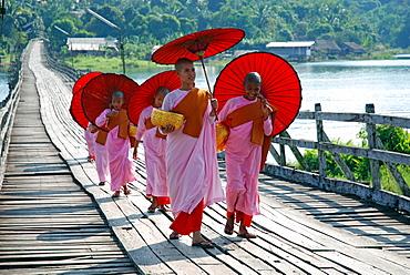Nuns, Sanglaburi, Thailand
