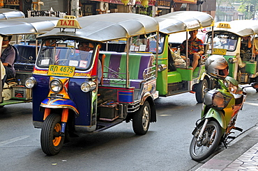 Tuk-tuks, Bamrung Muang Road, Bangkok, Thailand, Southeast Asia