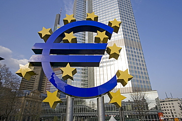 Euro symbol in front of the European Central Bank (ECB) building, Frankfurt, Hesse, Germany, Europe
