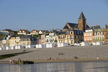 Row of houses at the beach; In the front a bath house , Mer-les-Bains , Picardie , France