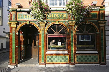 Pub at Temple Bar district , Dublin , Leinster , Ireland , Europe