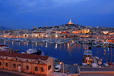 View onto the old harbour, yacht marina, Marseilles, Provence-Alpes-Cote d'Azur, France