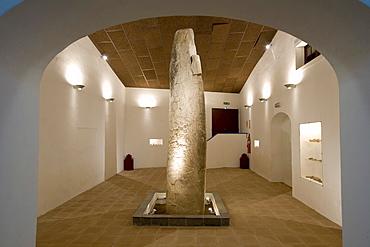 Inscribed prehistoric stone, Bodega Jose de Sousa von Jose Maria Fonseca, Reguengos de Monsaraz, Alentejo, Portugal, Europe
