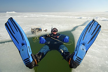 Preparations for subglacial diving, ice diving in the frozen Black Sea, a rare phenomenon which last occured in 1977, Odessa, Ukraine, Eastern Europe
