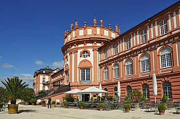 Biebrich Palace, a Baroque building with three wings, Wiesbaden, Hesse, Germany, Europe