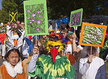 Costumed children in a procession, harvest festival, Harvest Thanksgiving in Marzahn, Berlin, Germany, Europe