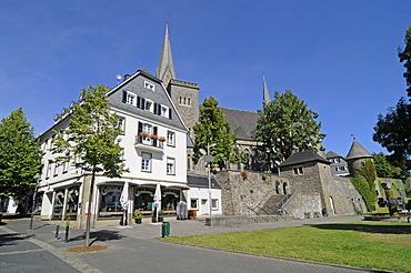 Parish Church of St Martinus, Olpe, Sauerland, North Rhine-Westphalia, Germany, Europe, PublicGround