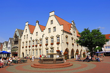 Fountain and Old Town Hall, registry office and tourist information, Haltern am See, Muensterland, North Rhine-Westphalia, Germany, Europe, PublicGround