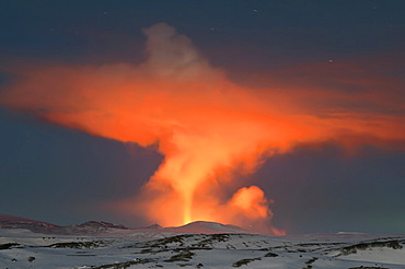 View from M√Ωrdalsjoekull Glacier towards the volcanic ash cloud from the eruption of the Fimmvoer√∞uh√°ls Volcano, between M√Ωrdalsjoekull and Eyjafjallajoekull, Highland, Iceland, Europe
