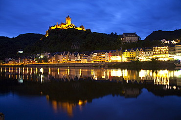 View of Cochem and the Reichsburg castle at night, Cochem, Moselle river, Rhineland-Palatinate, Germany, Europe, PublicGround