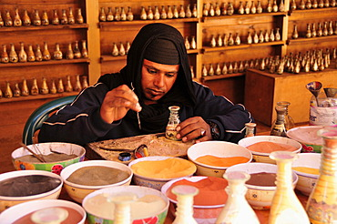 Craftsman in the Nabataean city of Petra, Unesco World Heritage Site, near Wadi Musa, Jordan, Middle East, Orient - 832-369120