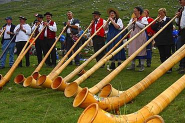Alphorn blowers at the shepherd festival on Gemmi, Leukerbad, Loèche-les-Bains, Valais, Switzerland, Europe