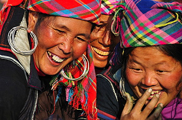Women from the Black Hmong ethnic minority group at the market of Sapa or Sa Pa, northern Vietnam, Vietnam, Asia