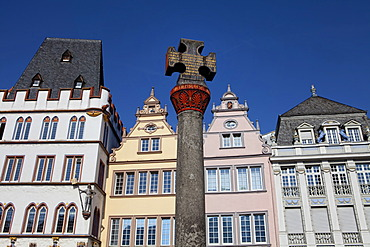The medieval cross on Hauptmarkt square, Steipe, Trier, Rhineland-Palatinate, Germany, Europe